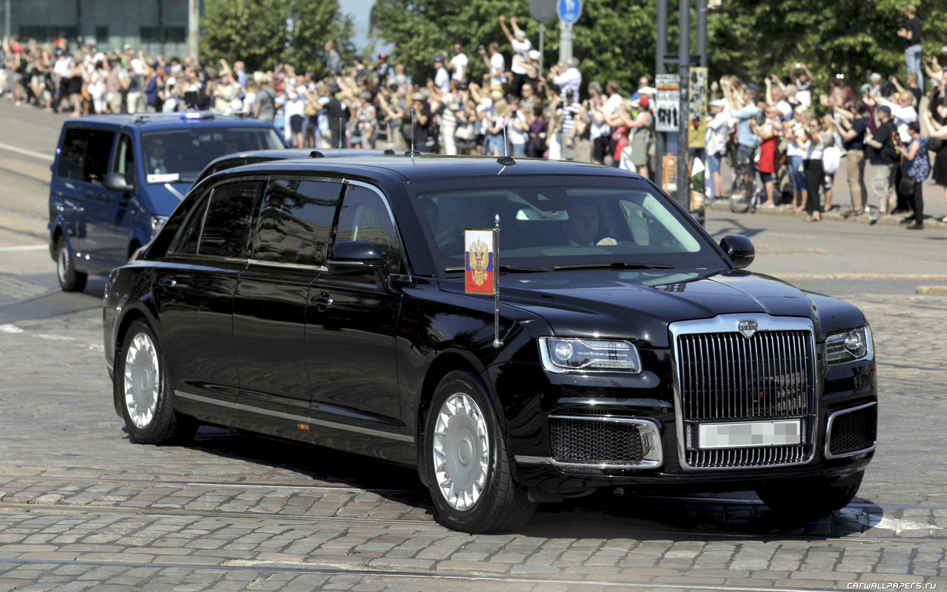 Машины Путина: на чем ездит президент России