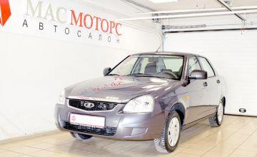 Купить LADA Priora седан в кредит у официального дилера Лада-Центр в СПб на.